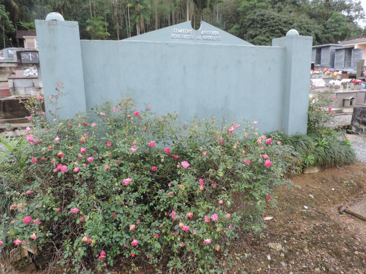 Cemitério de Anaburgo -Joinville/SC (Enterros)